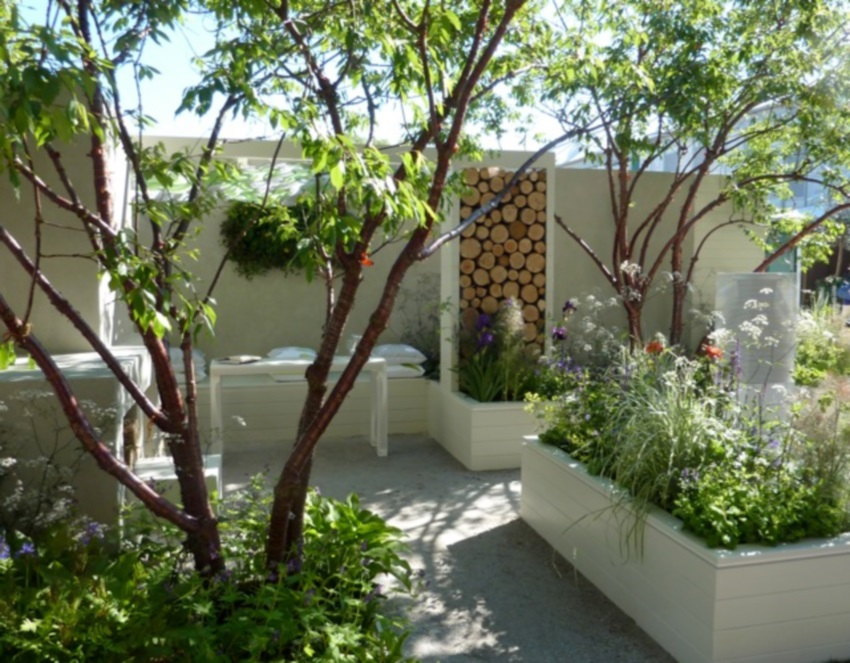 Urban Backyard Golden : Spiering & Co  London Gardens Some Resolutions for their Restrictions